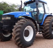 trator  /  New Holland  TM 150  /  ano 2007