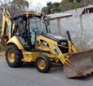 Vendo retroescavadeira cat 416e ano 2008